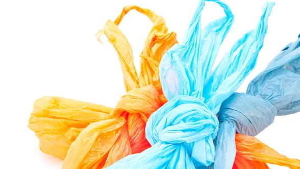 Cum sa va faceti cunoscute afacerile cu pungi plastic personalizate?