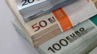 Curs valutar 12 septembrie. Alpha Bank, in competitie cu cele mai mari case de schimb