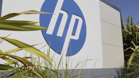 Cum se apara HP de criza: Uneste divizia de calculatoare cu cea de imprimante