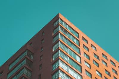 Cum se calculează impozitul pe spaţiile rezidenţiale şi mixte. Declaraţiile fiscale care trebuie depuse