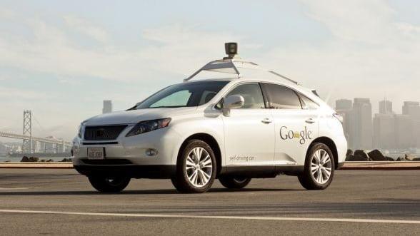 Cum se conduce un automobil Google self-driving