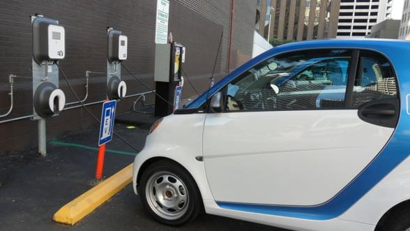 Cum si-a propus Italia sa aduca un milion de vehicule electrice pe soselele sale