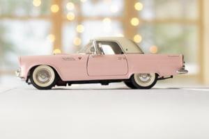 Cum verifici de acasă istoricul unei mașini second-hand. Toate informațiile necesare unei decizii de cumpărare corecte