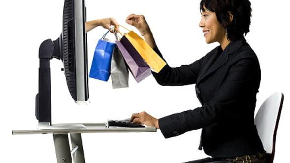 Cumparaturi online, in timpul serviciului