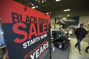 Cumparaturile online de Black Friday din SUA au crescut cu 22%, la un nivel record de 9 miliarde de dolari. Traficul in magazine a scazut in schimb cu 52,1%