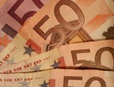 Curs valutar: Leul scade in fata euro, dar creste fata de dolar