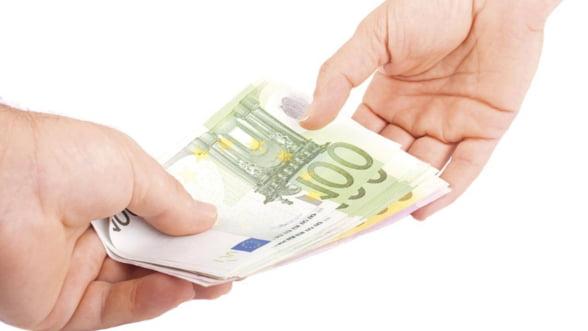 Curs valutar: Moneda nationala se depreciaza marti