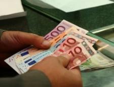 Curs valutar 20 august. Alpha Bank are cel mai bun curs la cumpararea euro