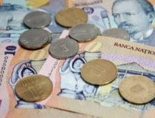 Curs valutar 27 octombrie: Euro creste, dolarul si francul scad