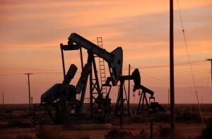 Cursa pretului petrolului ar putea fi afectata de o recesiune economica