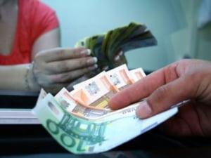 Cursul de referinta urca la 4,2995 lei/euro