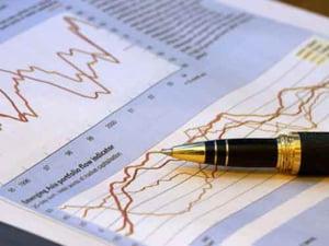 Cursul inchide sedinta sub 3,92 lei/euro, dealerii suspectand interventia BNR pe piata