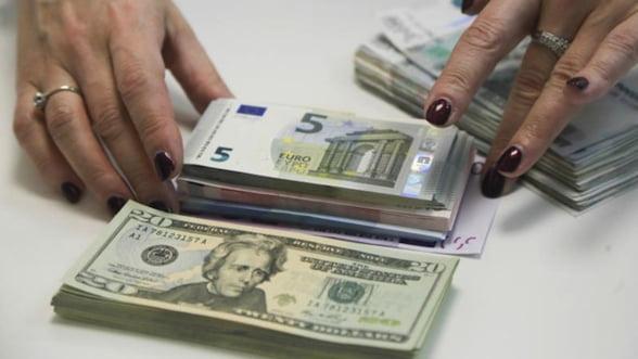 Cursul nebun al rublei in fata dolarului a luat sfarsit. Ce se intampla mai departe?