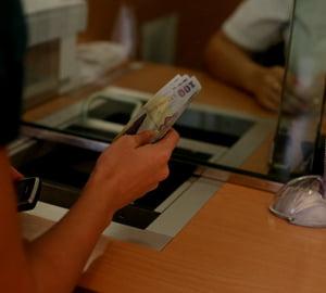 Cursul valutar: 4,4 lei/euro, in urmatoarele saptamani?