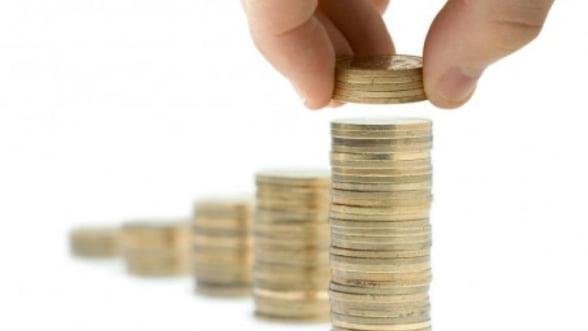 Cursul valutar coboara sub pragul de 4,40 lei/euro