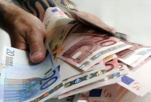 Cursul valutar se apreciaza pana la 4,2988 lei/euro