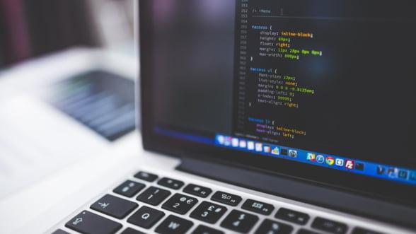 Cursurile de programare pentru copii Logiscool se muta online, pana la reluarea activitatii