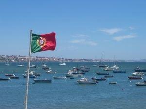 DIRIO ECONMICO: Companiile portugheze fug in Romania