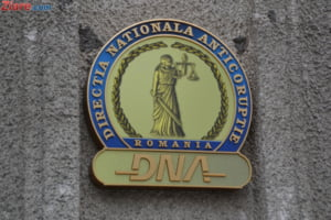 DNA: Consilierul lui Oprescu a luat 200.000 de euro spaga pentru construirea de supermarket-uri