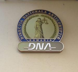 DNA a retinut pentru santaj un secretar de stat din Ministerul Transporturilor. Cazul are legatura cu trenul care era sa explodeze in Prahova
