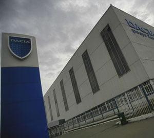 Dacia angajeaza 500 de persoane si mareste productia