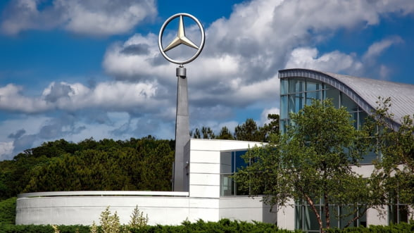 Daimler va concedia 10% din angajatii in functii de conducere