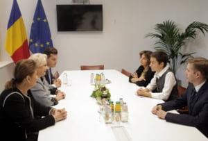 Dancila a spus la Bruxelles ca protestatarii au fost trimisi din strainatate si ca erau drogati
