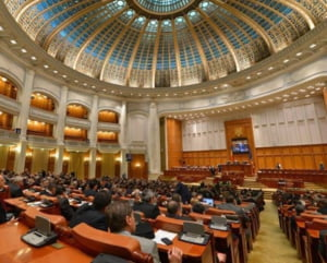 Daniel Barbu a fost uns sef la AEP, Eugen Nicolaescu i-a luat locul lui Olteanu la BNR