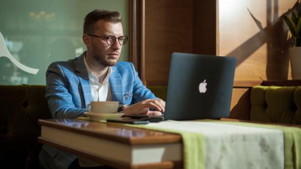 De 10 ani digitalizeaza invatamantul romanesc: Abia acum incepem sa simtim schimbarea! #Interviu cu Alexandru Holicov, Adservio
