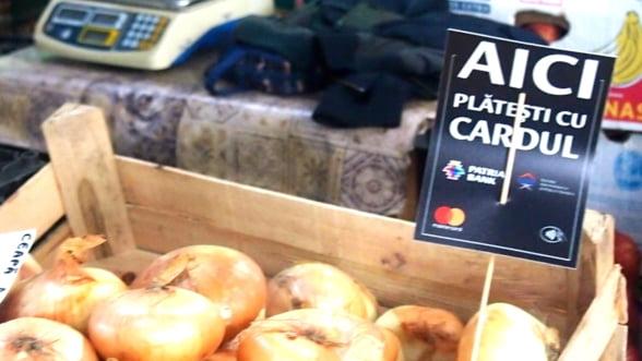 De acum se poate plati cu cardul si la unele piete din Bucuresti. Vezi si alte orase