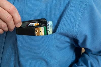 De ce dobanda penalizatoare este mai importanta decat DAE la cardul de credit