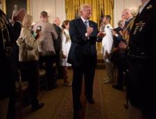 De ce nu ne putem abtine sa-l urmarim pe Trump. Strategiile unui presedinte obsedat de audienta