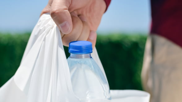De ce pungile biodegradabile sunt viitorul si ce inseamna, de fapt, o punga biodegradabila?