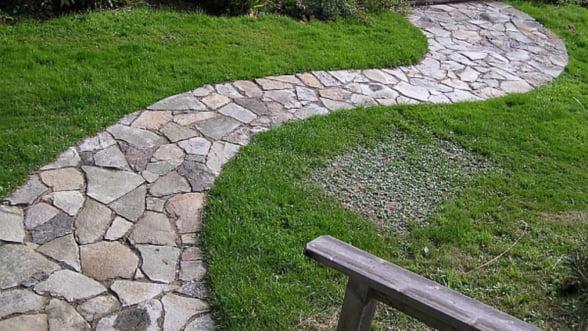 De ce sa amenajam o gradina cu piatra naturala