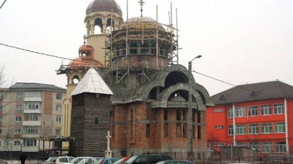 De ce una dintre cele mai sarace tari din Europa construieste o biserica la fiecare trei zile