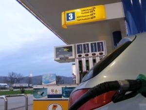 De la 1 ianuarie, benzinarii romani vor vinde doar carburanti euro 5