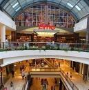 Decembrie in malluri: oameni mai multi, dar shopping mai slab