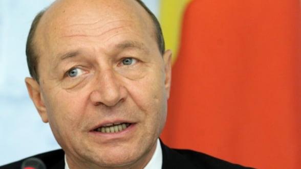 Decizia CCR a fost citita in Parlament: Traian Basescu se poate intoarce la Cotroceni