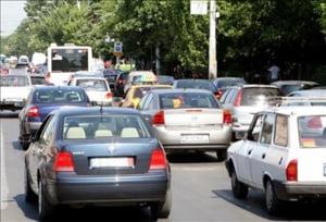 Declinul vanzarilor de autovehicule si motociclete a redus afacerile din comert cu 22% in februarie