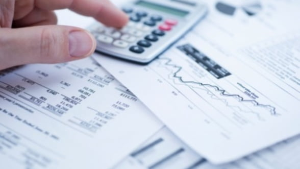 Deficit bugetar de 7,11 miliarde de lei dupa opt luni: Ne incadram in acordul cu FMI