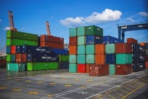 Deficitul balanței comerciale a României în creștere, în ciuda majorării exporturilor cu aproape 25%