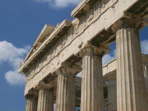 Deficitul bugetar al Greciei, revizuit la peste 15%