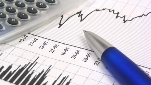 Deficitul bugetar se mentine in jurul a 1% din PIB, dupa sapte luni