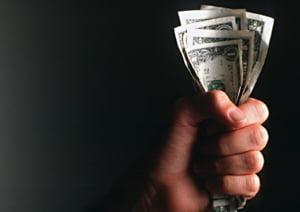 Deja indatorare doar pentru a plati datoriile vechi