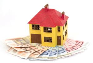 Deprecierea cursului valutar creste valoarea ratelor in euro