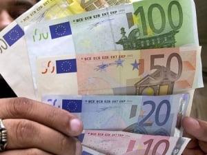 Deprecierea euro ajuta exportatorii europeni