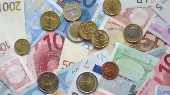 Deprecierea euro ar putea salva uniunea monetara europeana