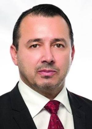 Deputatul PSD care e gata sa iasa cu mitraliera in strada cere marirea salariului parlamentarilor: Nu putem veni in blugi si mizerabili