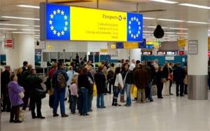 Deutsche Welle: Isi fac cetatenii Romaniei si Bulgariei bagajele sa emigreze?