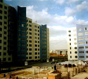 Dezvoltatorii imobiliari israelieni, somati de banci din Romania